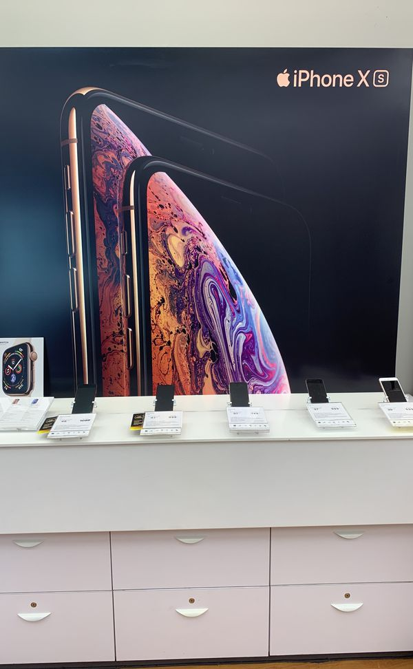 Lease One X series IPhone get an XR free!