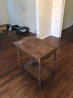 Antique End Table for Sale in Los Angeles, CA