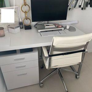 Office Desk w/ Chair - Modern for Sale in Hialeah, FL