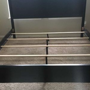 California King Bed Frame for Sale in Puyallup, WA