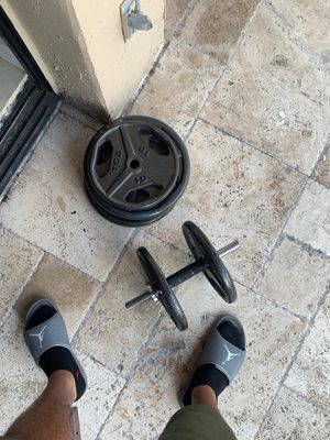 Weight Set with bench and up 125lbs of weight for Sale in Fort Lauderdale, FL