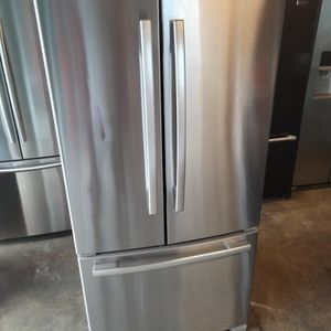 Whirlpool Stainless Steel Refrigerator 33x68 for Sale in Long Beach, CA