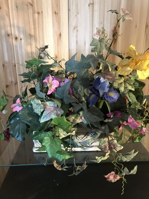 Silk flowers for Sale in Valley City, OH