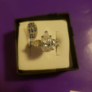 125095722 Size 9 925 Sterling Silver Drop-shaped Ring for Sale in Haines City, FL