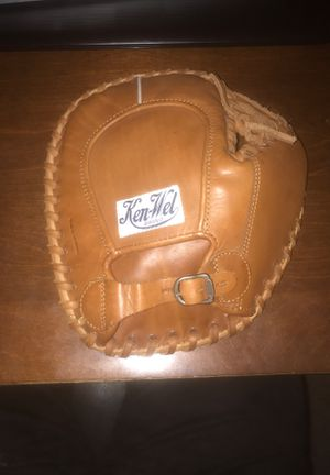Baseball Glove for Sale in Bartlett, IL