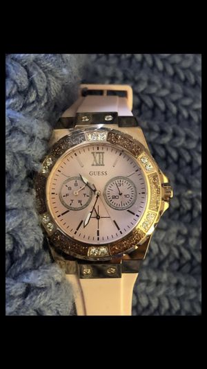 Women's Pink silicon Guess Watch with Stones(PICK UP ONLY) for Sale in Los Angeles, CA