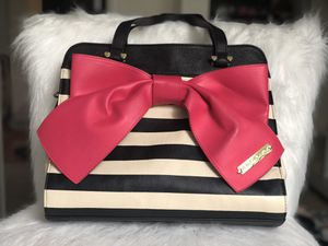 Betsey Johnson cute Pink bow bag for Sale in Bellevue, WA