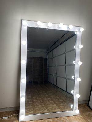 Vanity Mirror for Sale in Montclair, CA