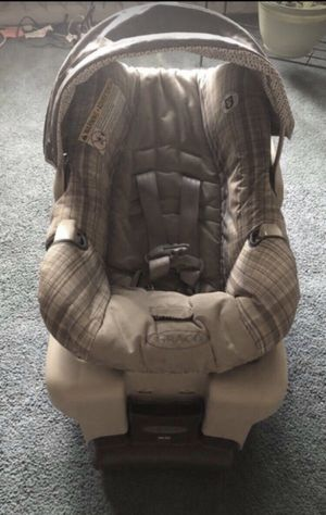 Graco Car seat( Good Condition) for Sale in Camden, NJ
