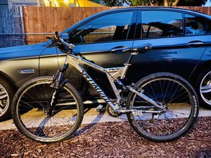 "Specialized m4 stumpjumper 26"" (MEDIUM) for Sale in Lincoln Acres, CA"
