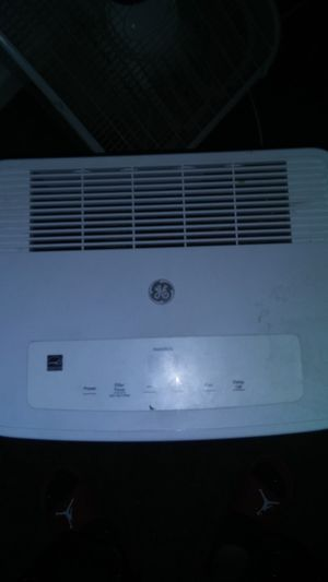 GE dehumidifier like new $100.00 obo originally 200.00 for Sale in Circleville, OH