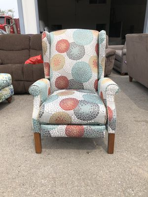 La-Z-Boy Reclining Accent Chair for Sale in Columbus, OH