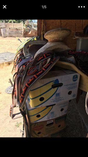 Silla de montar for Sale in Sanger, CA