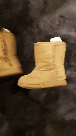 Size 3 girl boots for Sale in Lake Worth, FL