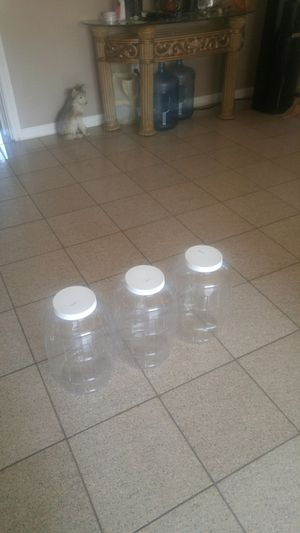 Se venden 3 galones para aguas frescas for Sale in Riverside, CA