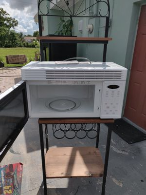Maytag microwave and microwave stand for sale for Sale in Plantation, FL