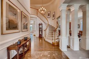 Entryway chandelier with matching formal dining room chandelier for Sale in Bellevue, WA