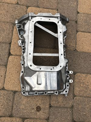Jeep Wrangler oil pan 3.6 engine for Sale in Glendale, CA