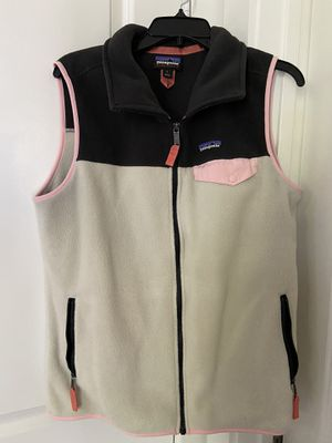 Women's size Large vest Patagonia jacket for Sale in Virginia Beach, VA