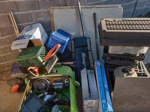 Free take all stapley and southern for Sale in Gilbert, AZ