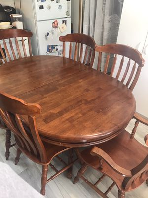 Dining room table and 6 chairs for Sale in Fenton, MO