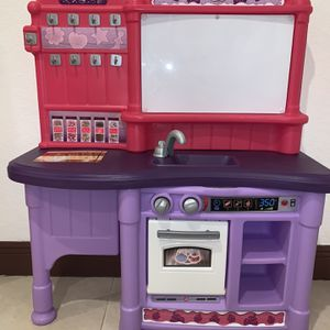 Play kitchen with magnetic, dry erase board for Sale in Miramar, FL