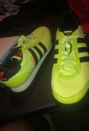 Adidas Size 9 1/2 for Sale in Stone Mountain, GA