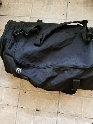 Xl duffle bag for Sale in Newark, NJ