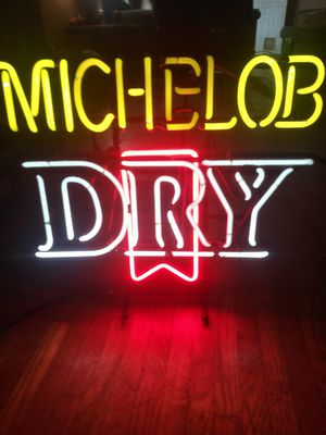 Michelob Dry Neon light for Sale in Coffeyville, KS