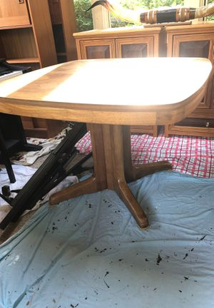 Dining room table for Sale in Lake Zurich, IL