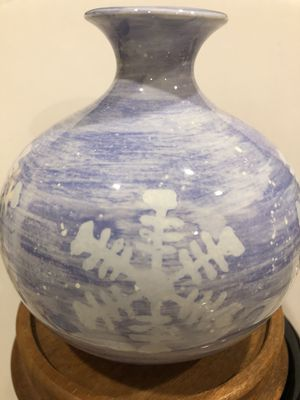 Very cute snowflake petite flower vase lavender and white for Sale in Orlando, FL