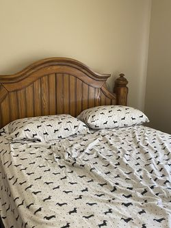 Queen Bed Frame W/ Box Spring for Sale in Meridian,  ID