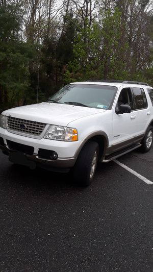 2004 Ford Explorer Eddie Bower V8 4WD V8. Will take Reasonable offer for Sale in Ronkonkoma, NY