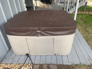 Lifesmart Spas Rock Solid Simplicity 4-Person 13-Jet Plug and Play Hot Tub for Sale in Odessa, FL