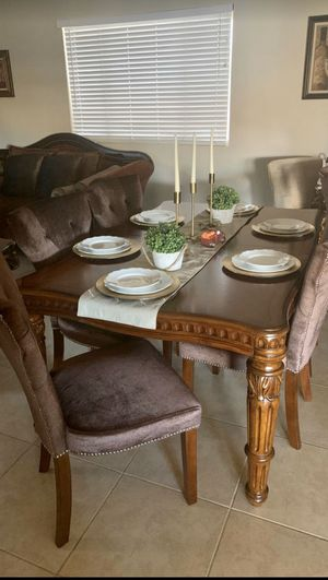 Dining room table and chairs for Sale in Avondale, AZ