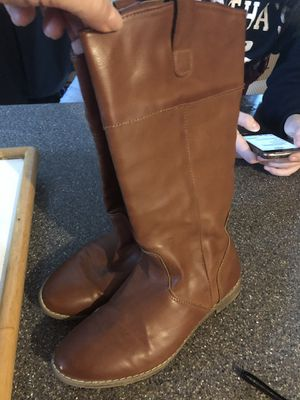 Girls sz 3 boots for Sale in Hopedale, MA