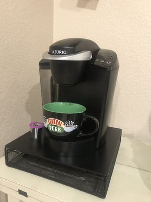 Keurig k-classic coffee maker with k-cup storage drawer/stand for Sale in Henderson, NV