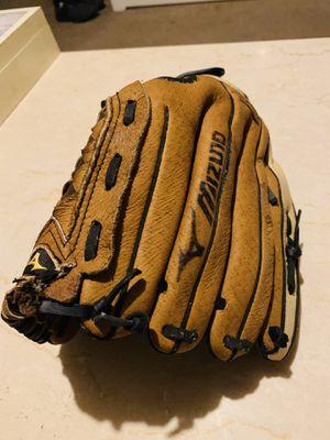 Right hand youth baseball Mizuno glove for Sale in Dallas, TX