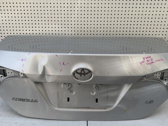 2014 2015 2016 2017 2018 Toyota Corolla trunk lid for Sale in Ontario,  CA
