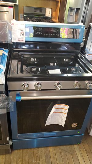New Kitchen Aid Freestanding Gas Range in stainless steel with 5 burners for Sale in Pico Rivera, CA