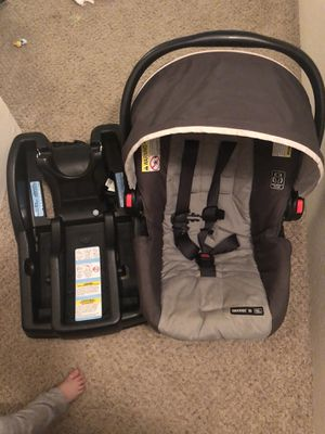 Graco SnugRide SnugLock 35 LX Infant Car Seat for Sale in Sacramento, CA
