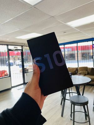 Samsung galaxy S10 T mobile / Metro pcs V7 for Sale in Dallas, TX