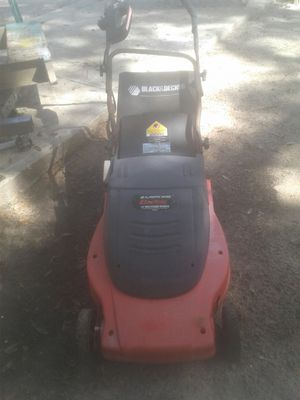 Black and decker electric lawn mower for Sale in Bartow, FL