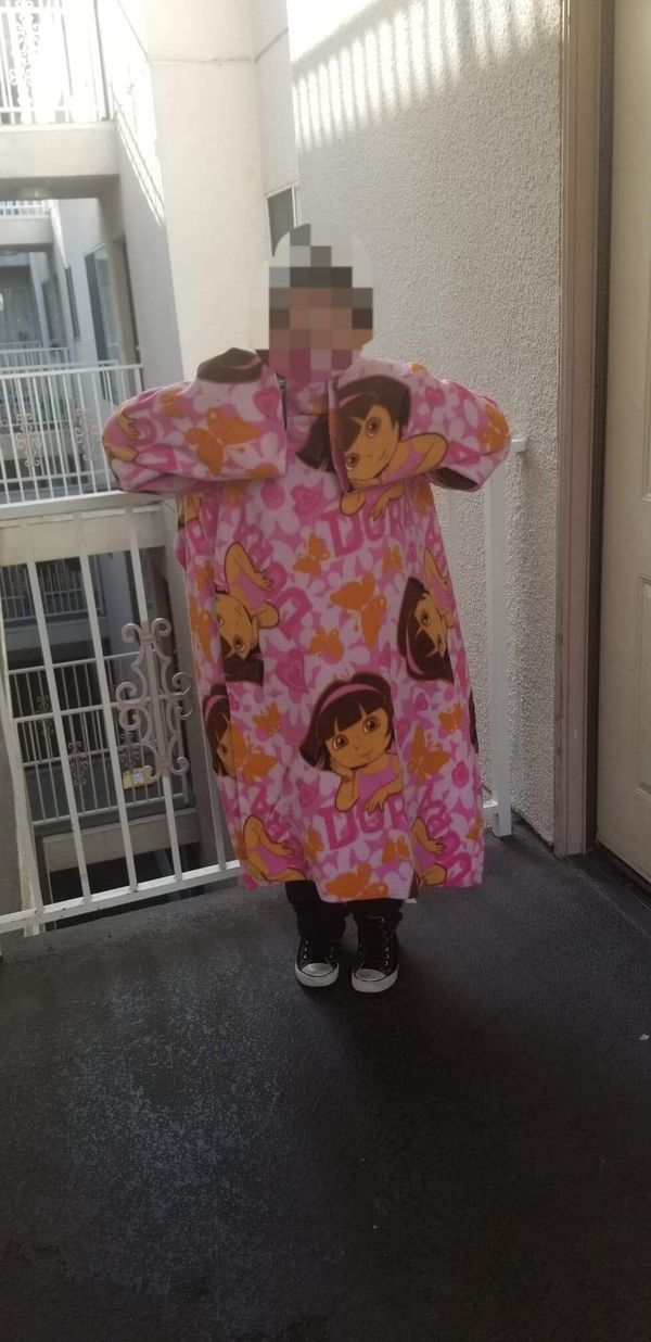 Dora the explorer wear blanket/Snuggie