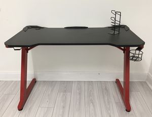 Gaming Desk With Drink, Headphone & Controller Holder, for Sale in Miami, FL