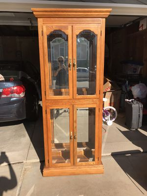Curio cabinet for Sale in Littleton, CO