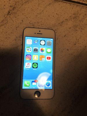 iPhone 5 unlocked any carrier for Sale in Pembroke Pines, FL