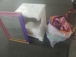 Free bag of mostly stuffed animals fix ur up mirror and lil dresser thing for Sale in Las Vegas, NV