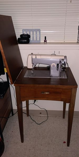 Very good sewing machine for Sale in Richland, WA