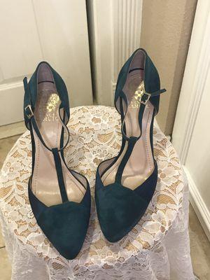 Vince Camuto hunter green velvet high heels for Sale in Las Vegas, NV